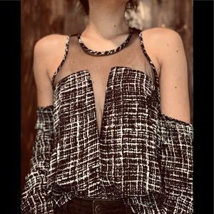 Tops - Trendy black and white mesh top